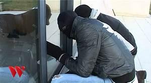 Effraction d39une baie vitree youtube for Porte de garage coulissante jumelé avec remplacer serrure porte
