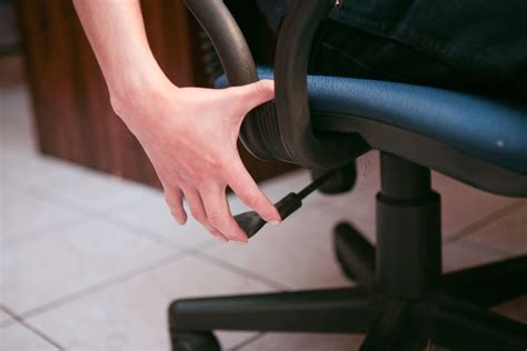 how to adjust office chair height 8 steps with pictures
