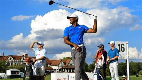 Tiger Woods tour championship 5-under 65 three-shot lead ...