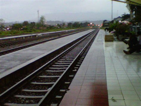 Maybe you would like to learn more about one of these? (GAMBAR) STASIUN KERETA API DI INDONESIA | KASKUS