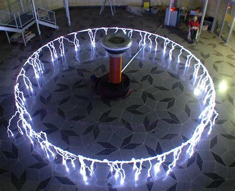 Bobina Tesla. >>Impresionante. | Tesla coil, Tesla, Tesla free energy