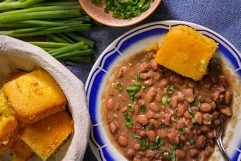Add pinto beans, hot sauce, and onion. Pinto Beans and Ham Hocks | Recipe Goldmine