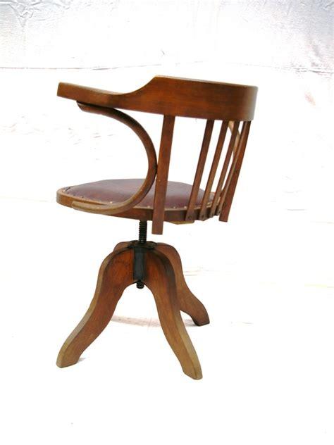 fauteuil de bureau cuir et bois fauteuil baumann bois et cuir jpg chaises tabourets