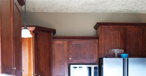 Primer For Kitchen Cupboards by Painting The Kitchen Cabinets Primer Paint Averie