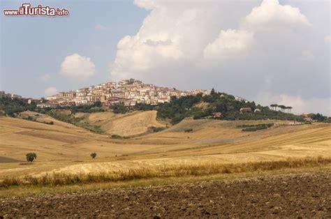 Meteo Candela Foggia by Candela Il Borgo Tra Le Colline Della Puglia Foto