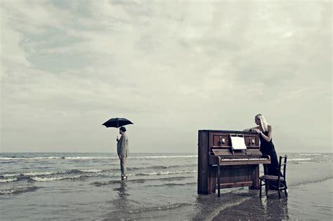 piano beach men umbrella girl hd wallpaper