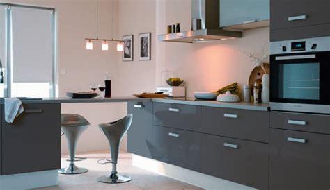 cuisine meubles gris quelle couleur pour les murs d une cuisine aux meubles gris
