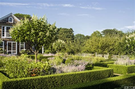 Ina Garten's Garden Decoration