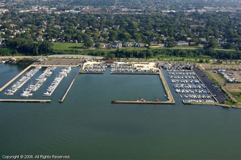 Boat Service Erie Pa by Commodore Perry Yacht Club In Erie Pennsylvania United