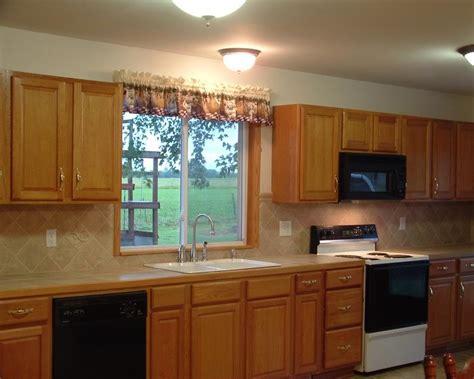 kitchen backsplash pictures with oak cabinets kitchen backsplash oak cabinets search