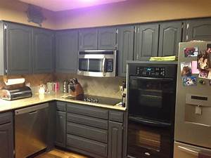 using chalk paint to refinish kitchen cabinets 1051