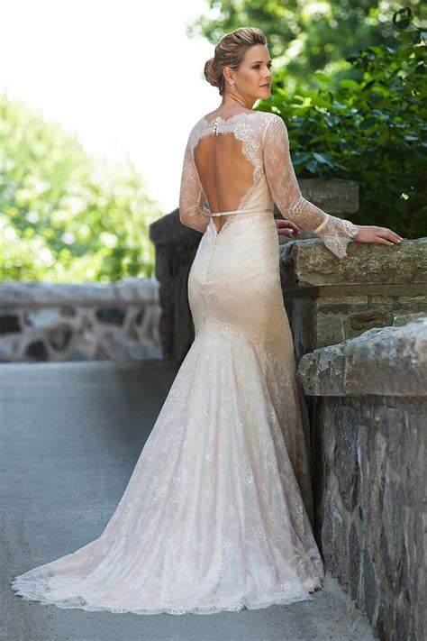 A Brides Guide To Lace Wedding Gowns Aelida