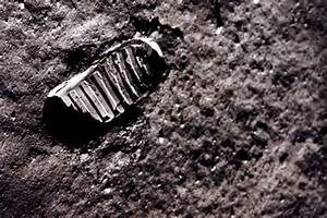 Neil Armstrong footprint on the moon! | Photography ...