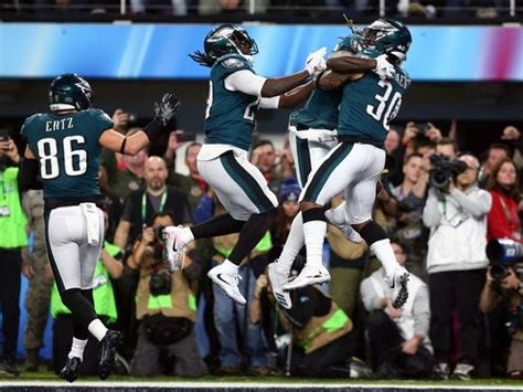 super bowl  eagles dethrone tom brady patriots