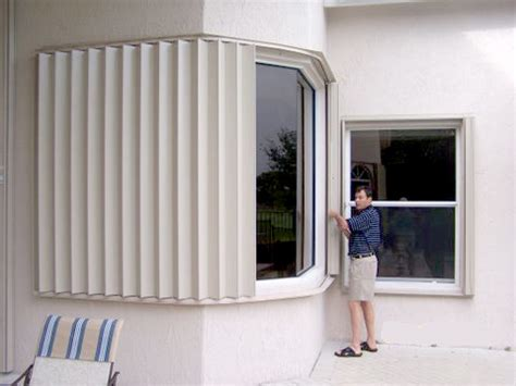 hurricane protection sentinel retractable screens