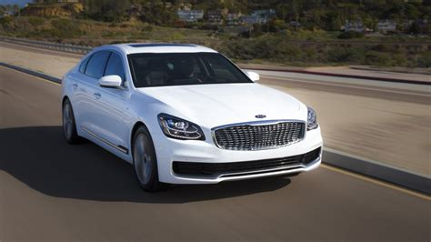 2019 Kia K900  Top Speed