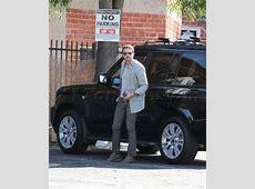 Gerard Butler Parks His Range Rover Celebrity Cars Blog