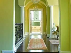 20 wohnideen fur schone farbgestaltung im flur for Balkon teppich mit welche tapete für flur