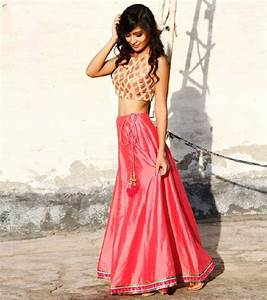 Crop top and long skirt n outfits | yamini | Pinterest | Indian dresses Bollywood and Ethnic