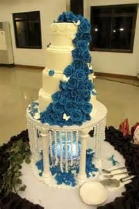 jeux de gateaux de mariage gâteau de mariage avec fontaine goldy mariage
