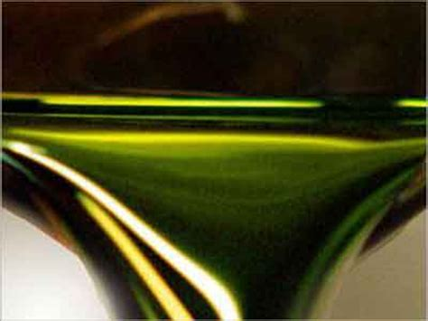 light sweet crude nigeria s light sweet crude sells below 39 per barrel
