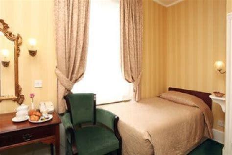 hotel in swiss cottage best western swiss cottage hotel 163 reviews