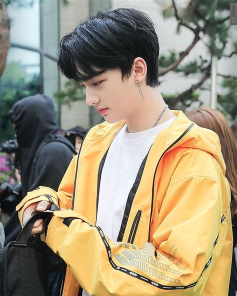 See more ideas about stray, yellow aesthetic, kids. STRAY KIDS HYUNJIN (@hyunjin__straykids) • Instagram photos and videos | Kpop aesthetic ...