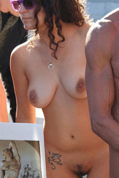 Famosas Desnudas Blog Naked In Public