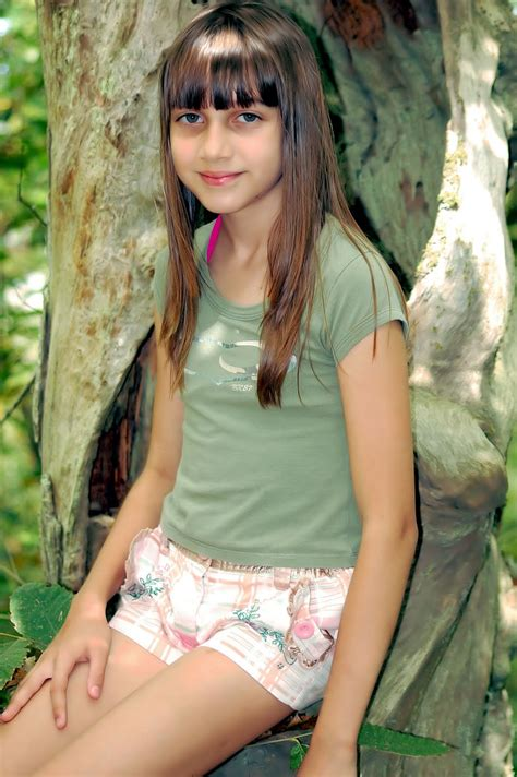 Angelina Teen Model 38 In The Florest With Woolworths Na Floresta Com Woolworths