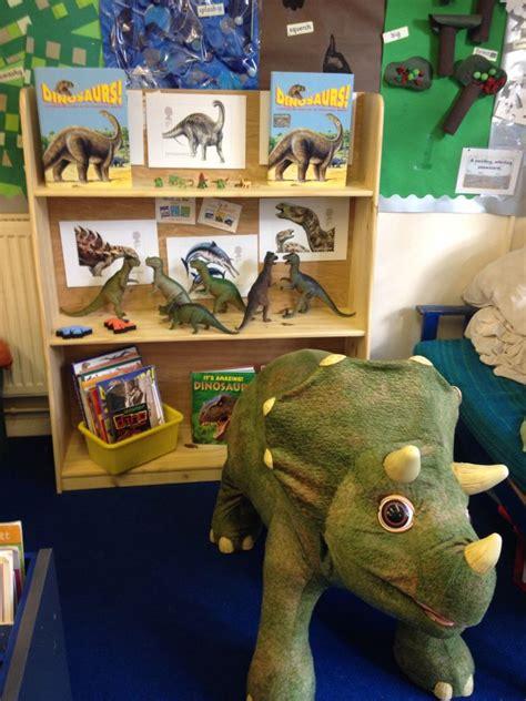 Dinosaur reading area | Dinosaurs | Pinterest | Book ...