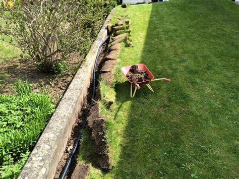 Eine Unterirdische Wasserleitung Zur Gartenbewässerung