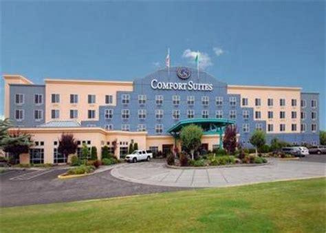 comfort suites tukwila comfort suites airport seattle deals see hotel photos