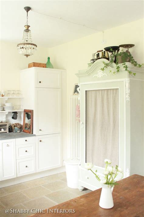 aprile  shabby chic interiors