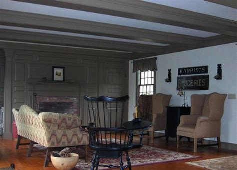 300 best Prim & Colonial Living Rooms images on Pinterest