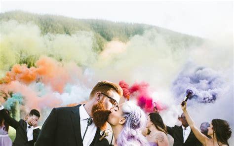 smoke bomb wedding    smoking hot  trend