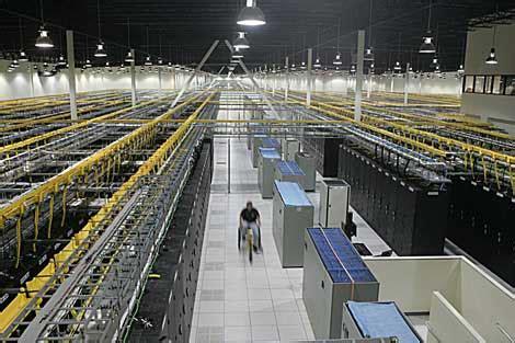 idc amount  worlds data centers  start declining   data center knowledge