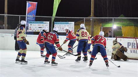 Najdłuższa gra w hokeja - rekord Guinnessa ⋆ Biuro Rekordów
