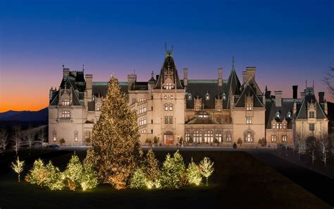 enjoy  biltmore estate  christmas travel