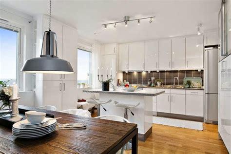 cocinas blancas grandes pequenas en   en  modernas