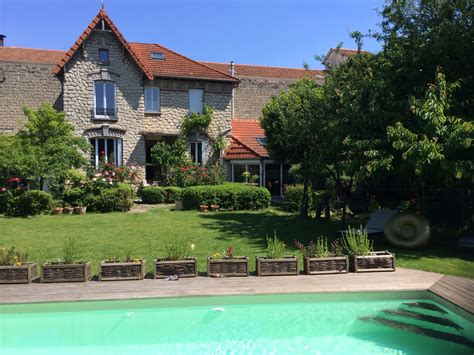 beautiful house near with big garden and swimming