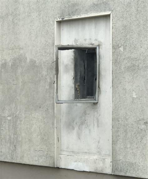 bureau de poste nimes nîmes attaque à l 39 explosif à la poste les malfaiteurs