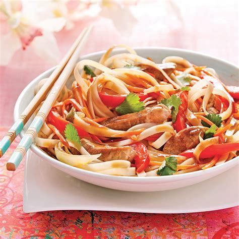 recettes de cuisine asiatique nouilles sautées au porc sauce thaï recettes cuisine