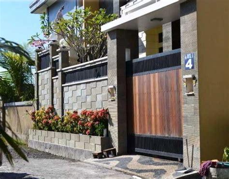 desain pagar rumah cantik kombinasi kayu besi batu