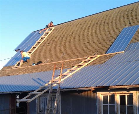 Barn Roofing by Musings While Tinning The Barn Roof Beef Magazine