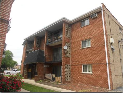 Apartment Buildings For Sale In Chicago by Bronzeville Hyde Park Real Estate Chicago