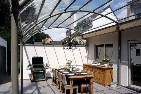 überdachung terrasse alu abris en alu pour terrasse pergola en alu toiture terrasse