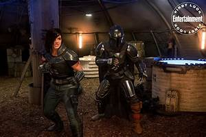 """""""The Mandalorian"""" Previewed in Entertainment Weekly with New Photos, Creative Team Interviews ..."""