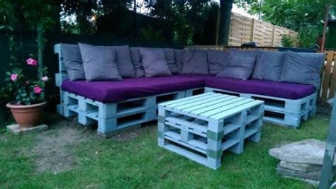 diy outdoor furniture made from pallets 13 cool diy outdoor furniture made of pallet 45691