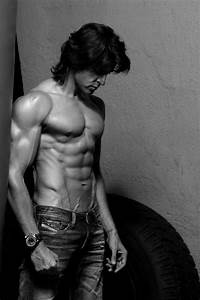 Hrithik Roshan new latest wallpapers and new look ...