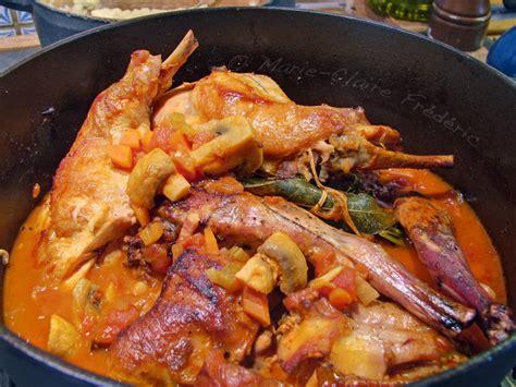 cuisiner un lapin en sauce lapin chasseur sachant chasser du miel et du sel